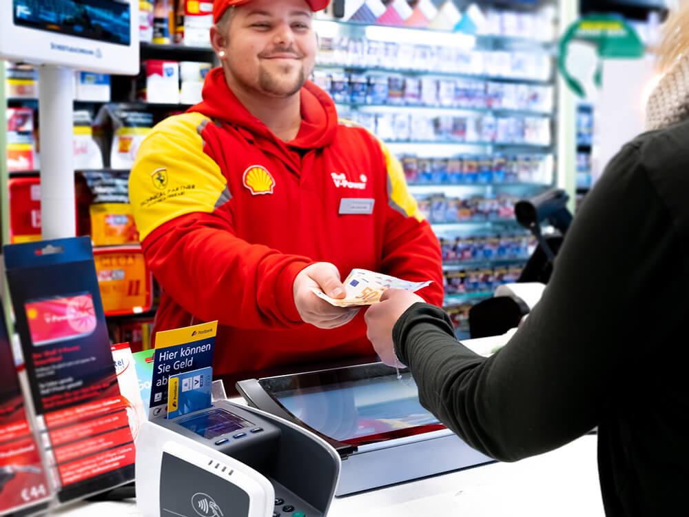 Bargeld abheben bei Shell – ohne zu tanken!