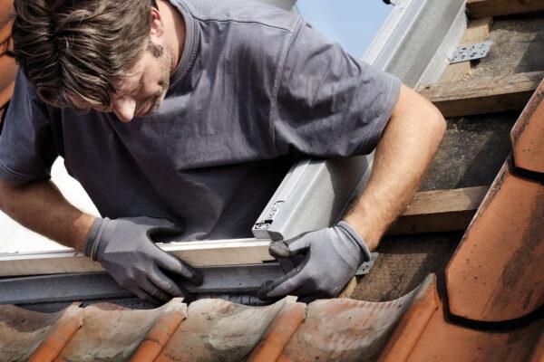 <p>Die KfW fördert Fenstersanierungen mit Zuschüssen und zinsgünstigen Krediten<br> Bild Nr. 6230, Quelle: Velux/BHW Bausparkasse</p>