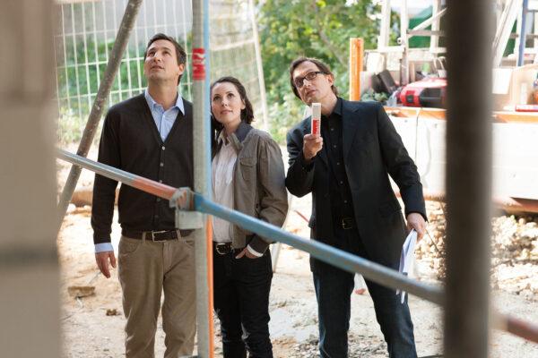 <p>Genau hinsehen – beim Kauf einer Immobilie ist der Rat von Experten unverzichtbar<br> Bild Nr. 6240, Quelle: BHW Bausparkasse</p>