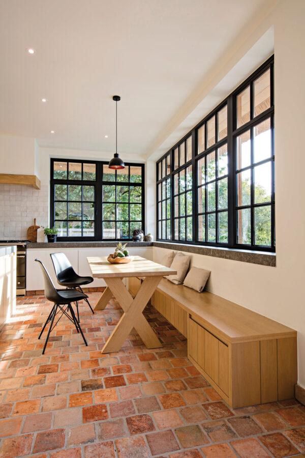 <p>Räume erzählen Geschichte, auch mit historischen Baustoffen<br> Bild Nr. 6282, Quelle: MANOIR MARIE-Händler Historische Baustoffe Prenzel GbR/BHW Bausparkassee</p>