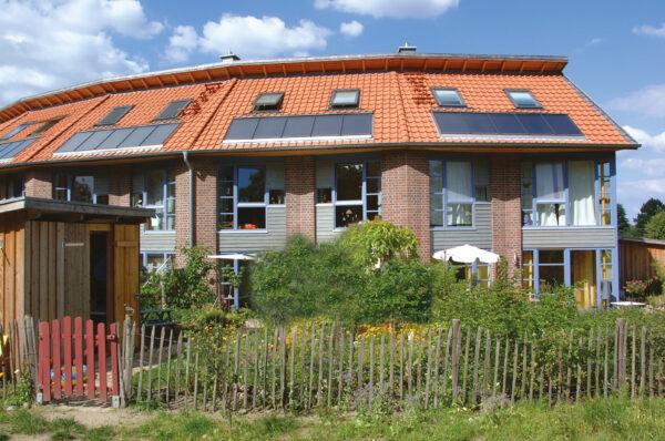 <p>Welche Heizung in einem Haus steckt, verrät ein Blick auf die Heizkostenabrechnung<br> Bild Nr. 6300, Quelle: Solvis/BHW Bausparkasse</p>