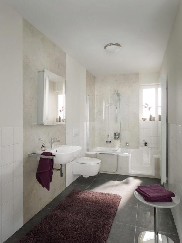 <p>Von einem geräumigeren Bad profitieren alle<br> Bild Nr. 6318, Quelle: HSK Duschkabinenbau/BHW Bausparkasse</p>