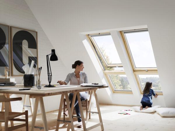 <p>Schöne Aussichten: Durch große Dachfenster fällt extra viel Licht ins Homeoffice<br> Bild Nr. 6358, Quelle: Velux/BHW Bausparkasse</p>
