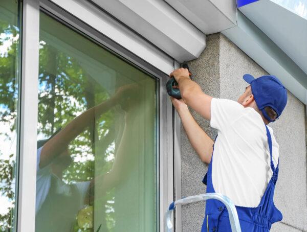 Effektive Maßnahmen müssen nicht teuer sein – eine Außenbeschattung schützt gegen Hitze Bild Nr. 6256, Quelle: Africa Studio, 176006902, Adobe Stock/BHW Bausparkasse