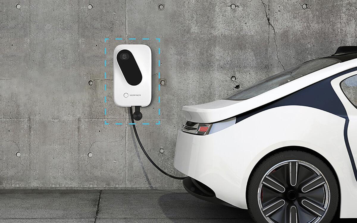Zwei bis sechs Stunden tankt ein Elektroauto Strom an einer Wallbox: Das reicht für etwa 150 Kilometer