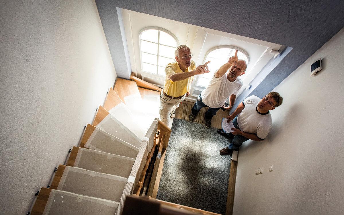 Baubiologen prüfen Häuser auf Stoffe, die den Bewohnern schaden können