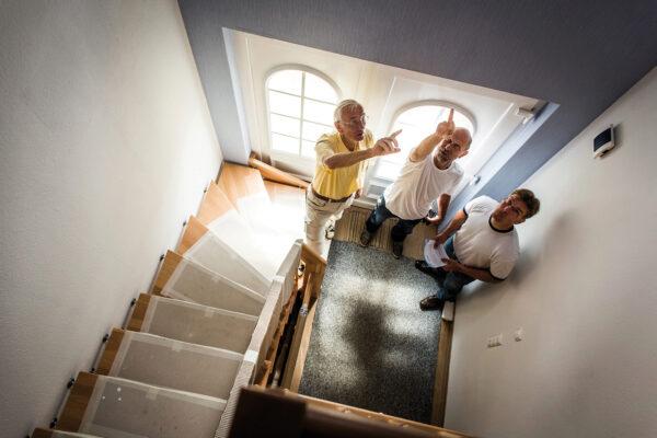 Baubiologen prüfen Häuser auf Stoffe, die den Bewohnern schaden können Bild Nr. 6308, Quelle: Bauherren-Schutzbund e.V./BHW Bausparkasse