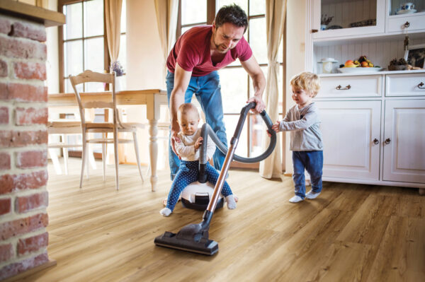 Besonders pflegeleicht: Der Boden sieht aus wie Holz, ist aber aus Kork Bild Nr. 6342, Quelle: Cortex/BHW Bausparkasse