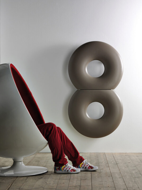 Heizkörper in Form einer Acht Bild Nr. 6351, Quelle: Antrax/BHW Bausparkasse