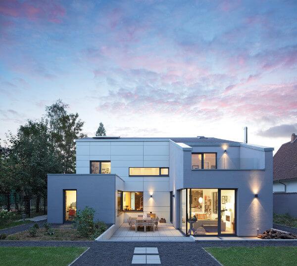 Architektenhaus, bei dem sich später im OG zwei Zimmer abtrennen lassen