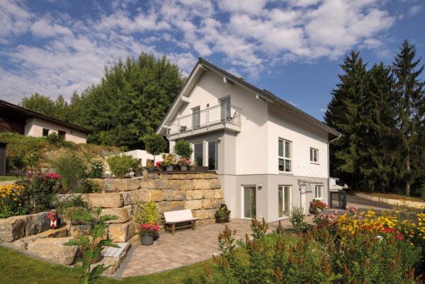 Wer seine Rente aufbessern will, kann sein Haus verkaufen oder Teile davon vermieten Bild Nr. 6366, Quelle: Fingerhaus/BHW Bausparkasse