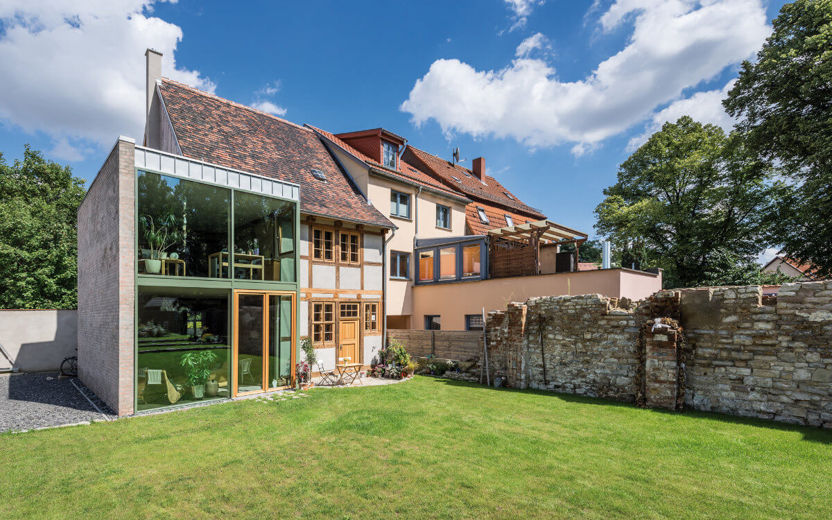 Attraktiver Baustil-Mix: Alte Häuser bieten jede Menge Potenzial