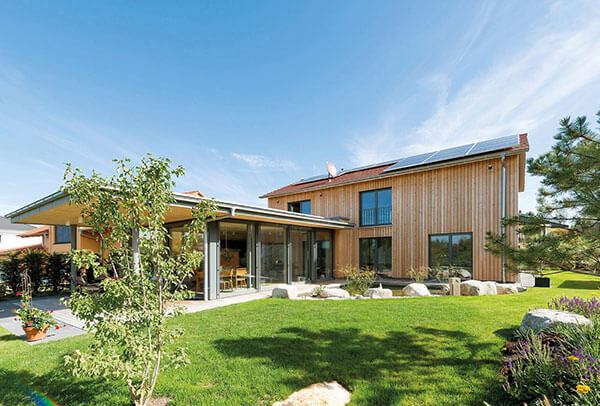Holz-Fassaden: Natürliche Materialien vereint mit innovativer Technik