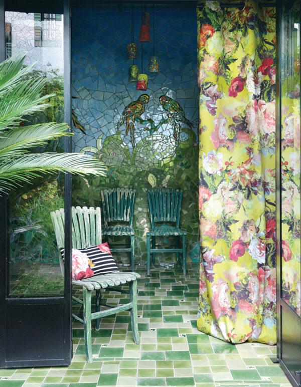 Die neue Wohnlichkeit: blumige Designs für Vorhänge
