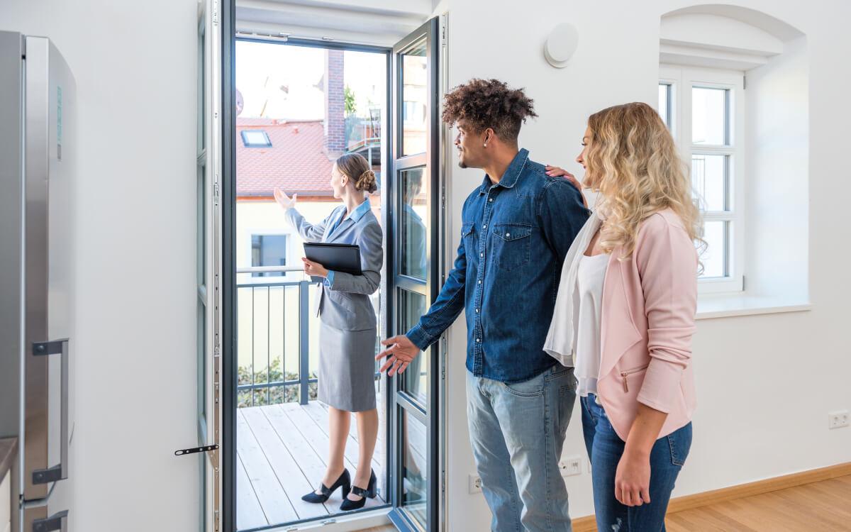 Immobilienkäufer zahlen ab sofort nur noch die Hälfte der Maklerprovision