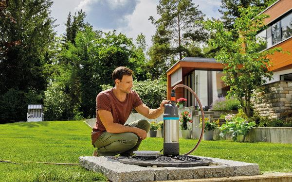Durstlöscher für den Garten: Eine leistungsfähige Pumpe befördert das gesammelte Regenwasser nach oben
