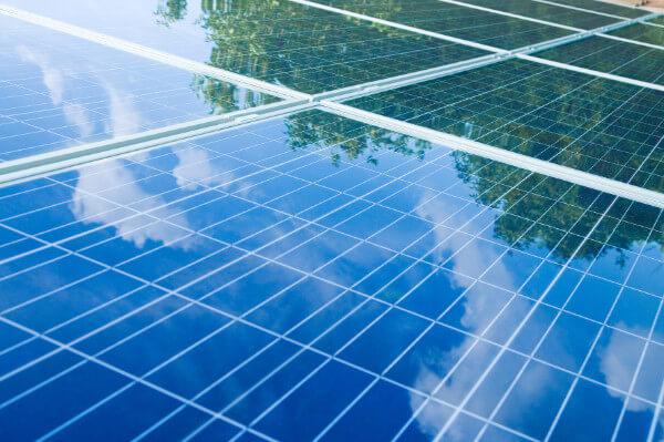 Chance für Anleger? Um die Ziele des Pariser Klimaabkommens zu erreichen, wird die Stromerzeugung per Photovoltaik vielerorts gefördert