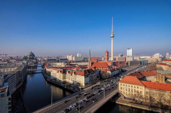 Auch mit kleinem Geld kann man von offenen Immobilienfonds profitieren Bild Nr. 1367, Quelle: Postbank © Liane Matrisch