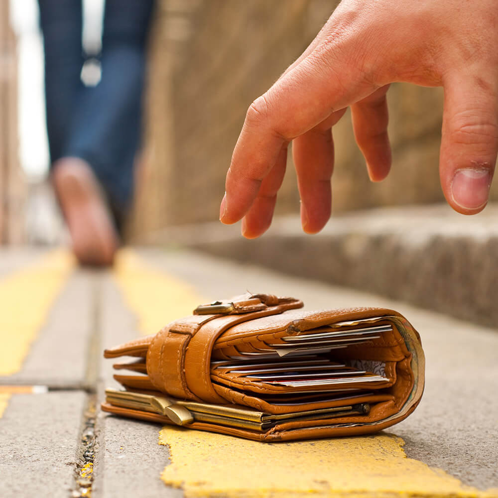 Portemonnaie verloren? Bankkarte sperren!