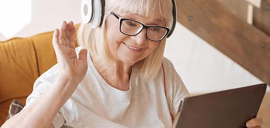 Junge Technik für ältere Menschen: So nutzen Senioren das Web